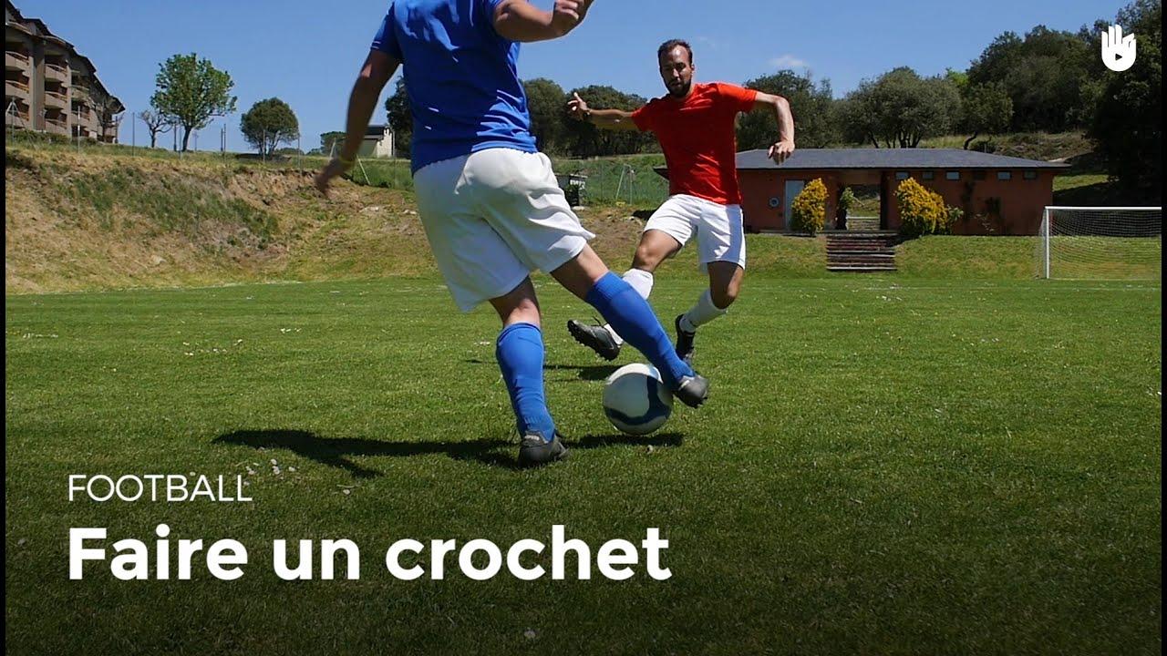 Comment dribbler : technique du crochet | Football