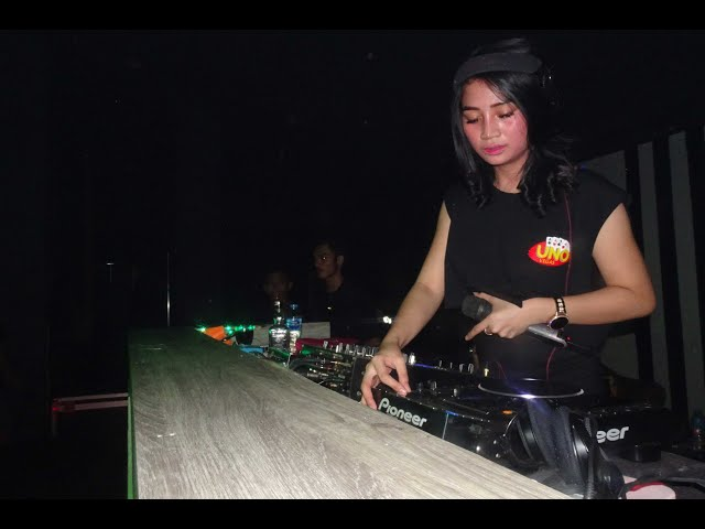 The Best House Musik Bareng DJ Amara Queen @Global Executive Club Pangkal Pinang | UNOVEGAS