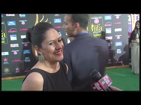PassportBollywood  ABC Action  talks to Sakina Jaffrey on the Green Carpet for the IIFA Bollyw
