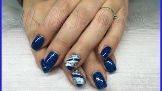 Nail art - Monocolore blu con riga glitter, bianca e paillettes (smalto e ricostruzione) Thumbnail