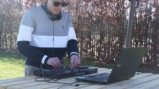 Backyard mix-DJ Melon
