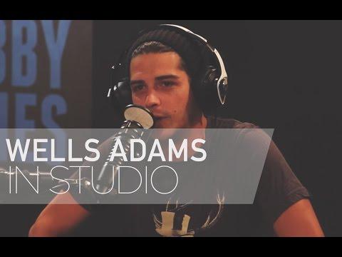 Bachelorette Season 12's Wells Adams Talks Kissing JoJo