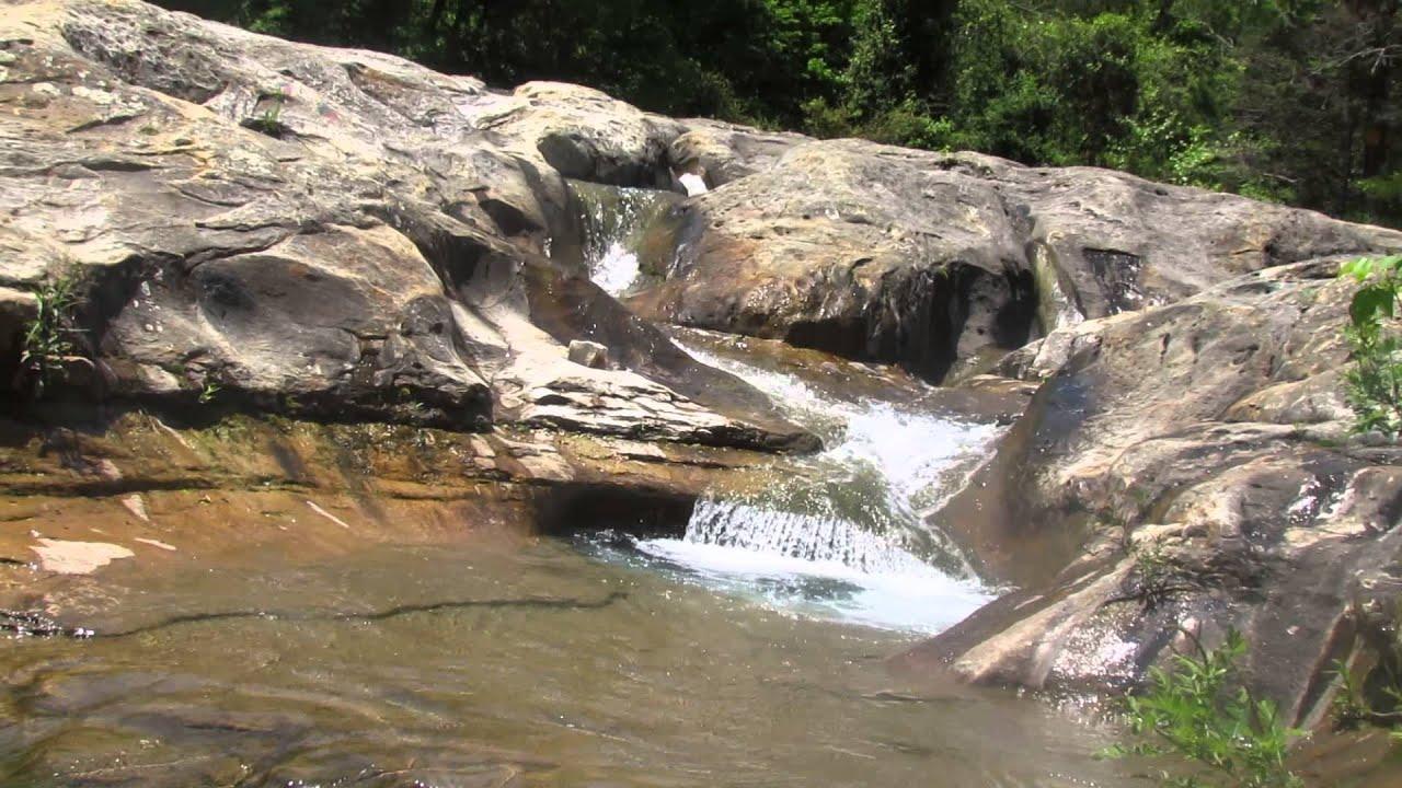 Water Flowing At Bathtub Rocks