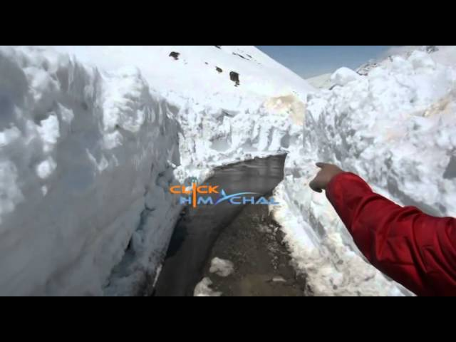First Look of Rohtang Pass - Snow Covered