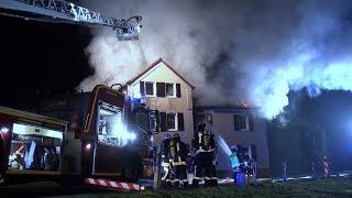 NRWspot.de | Feuer zerstört Wohnhaus – Feuerwehr löscht Brand