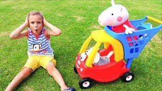 Vlad und Mama gehen am Bauernhofschaf Familienspaßspielzeit