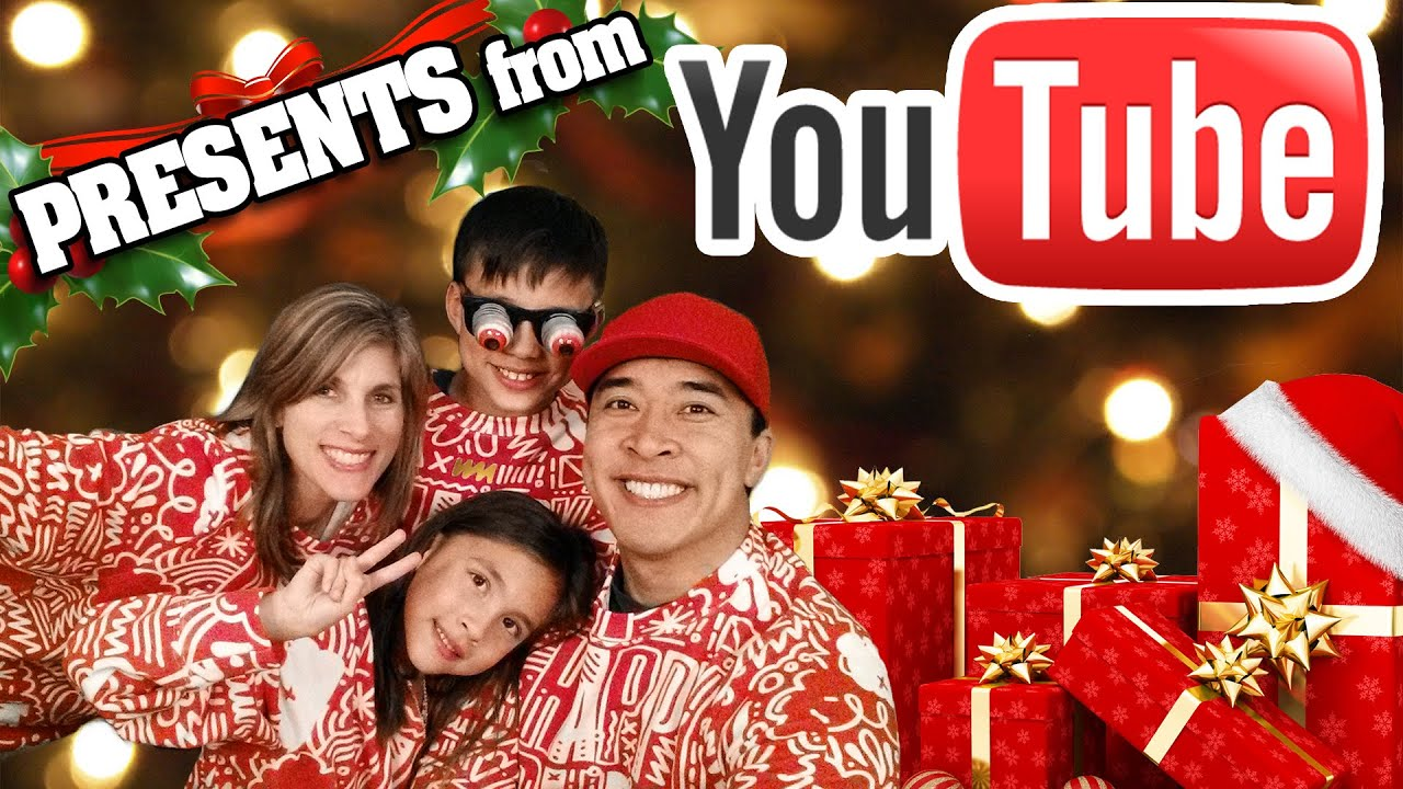 YouTube CHRISTMAS PRESENTS! Tree Decorating + Hot Chocolate on a ...
