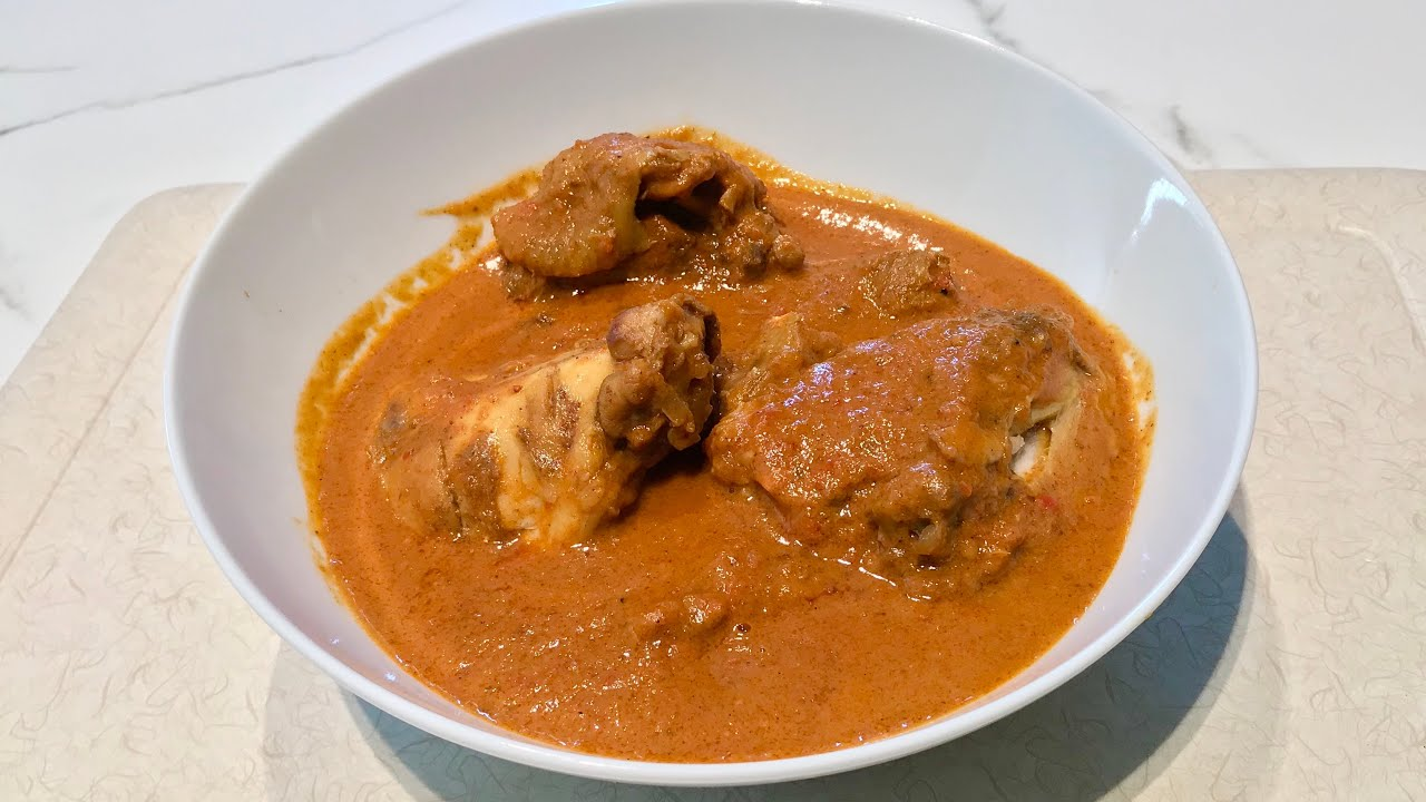 Coconut chicken curry | How to cook a simple tasty coconut chicken curry (Mchuzi wa kuku nazi ).