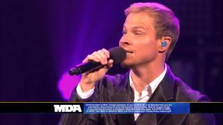 "Backstreet Boys ""In A World Like This/I Want It That Way"" - 2013 MDA Telethon Performance"