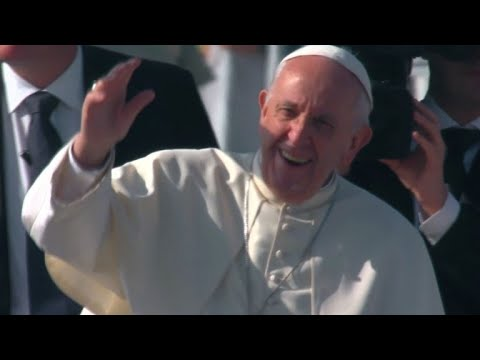 Pope hit by object on Chile trip