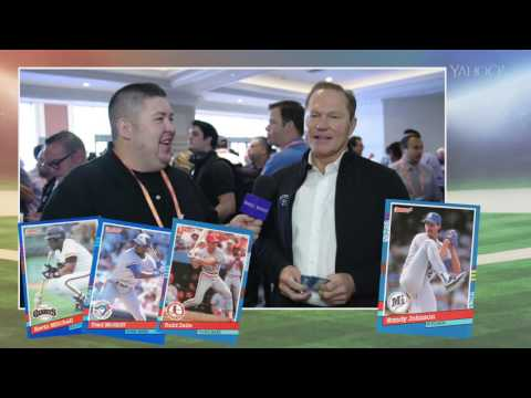 Scott Boras opens 25-year-old baseball cards