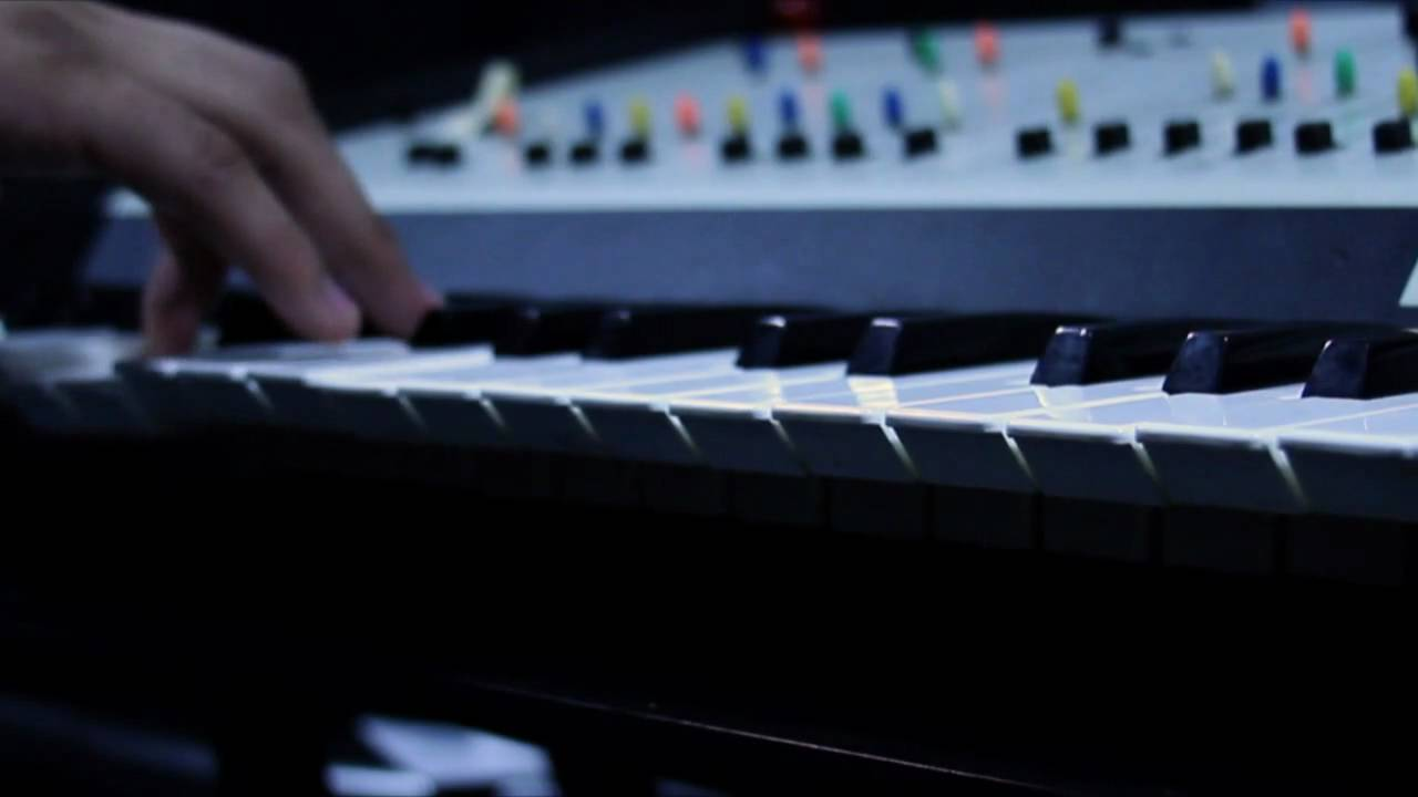 Nine Inch Nails The Hand that Feeds Synth patch - YouTube