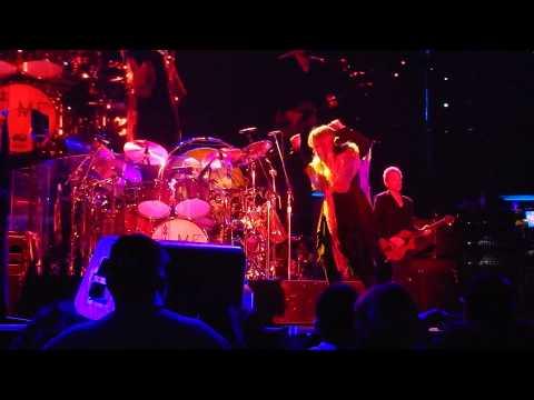 GOLD DUST WOMAN PART 2 Fleetwood Mac 4/6/15 Rabobank Arena, Bakersfield, CA