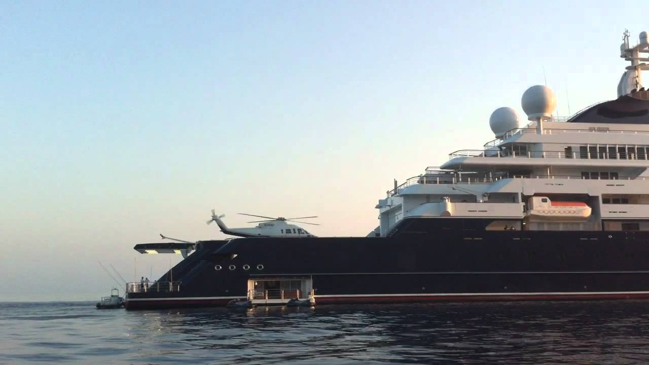 Paul Allen Inside His Crazy Us 250000000 Octopus Yacht