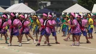 運動会での二年生のダンス.