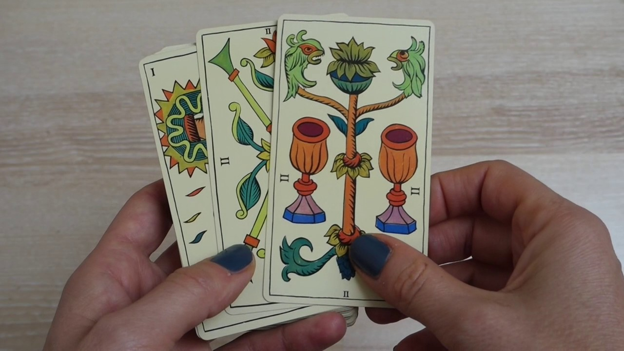 The Spanish tarot - flip through