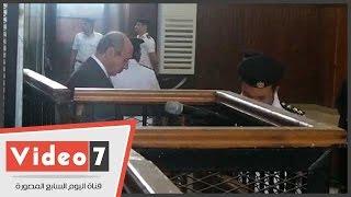 وصول حبيب العادلى لنظر محاكمته فى اتهامه بالاستيلاء على المال العام