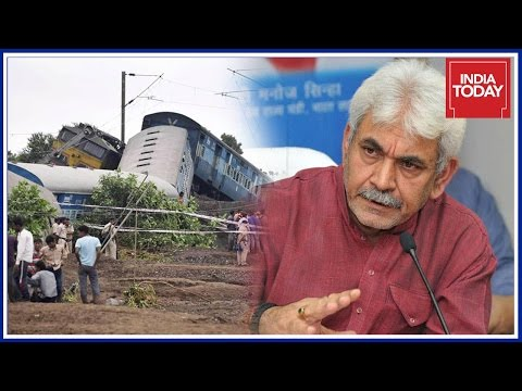 MoS Railways Manoj Sinha Takes Stock of Situation At Accident Site In UP