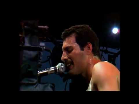 Queen - On Fire:  At The Bowl