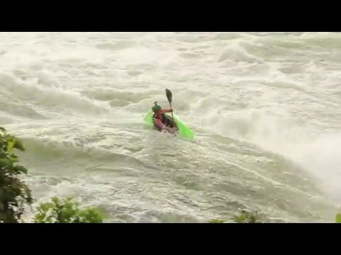 Dropping into Bad Place Itanda White Nile Uganda whitewater kayaking