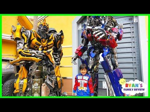 Life Size Transformers Optimus Prime and Bumblebee at Universal Studios Amusement Park!