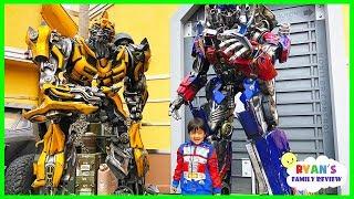 Life Size Transformers Optimus Prime and Bumblebee at Universal Studios Amusement Park! thumbnail