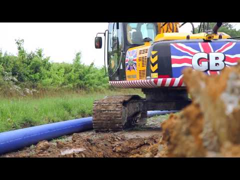 JS220 Excavator Digging On Pipe Laying Operation - Onsite Exclusive