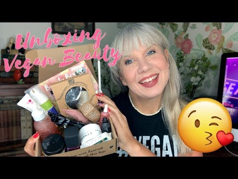 UNBOXING: Vegan Bath & Beauty Products [Review]