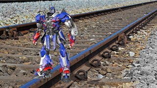 download video musik      Train Vs Transformers Optimus Prime EXPERIMENT