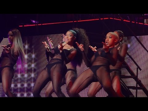 Nicki Minaj - Feeling Myself (ft. Beyonce) (Live in Brussels, Belgium - The Pink Print Tour - HD)