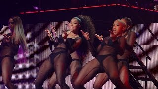 Nicki Minaj - Feeling Myself (ft. Beyonce) (Brussels, Belgium - The Pink Print Tour, Palais 12 - HD)