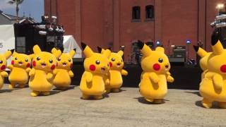 Pikachu(s) jamming to