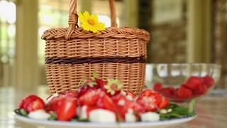 Вкусный Сад: САЛАТ С КЛУБНИКОЙ И РУККОЛОЙ и сыром