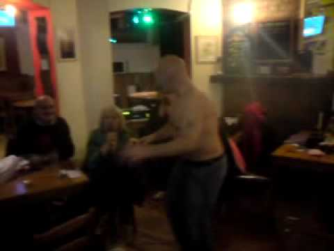prince harry pub - karaoke ray too sexy.MP4