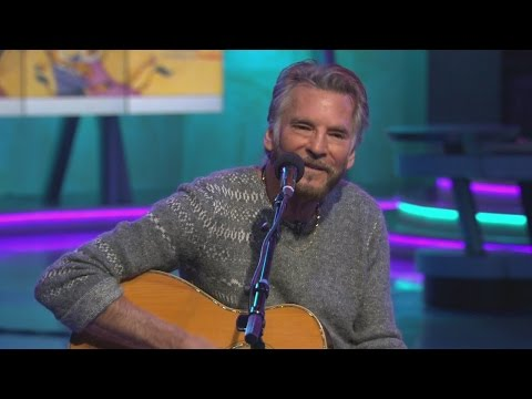 Kenny Loggins performs and pens 'Footloose'