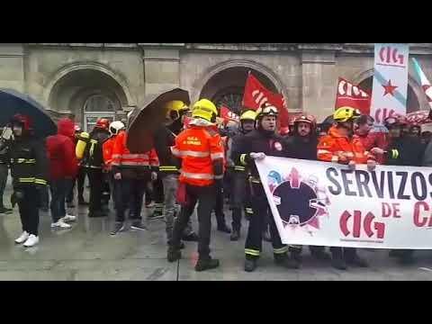 Os traballadores dos GES protestan ante a Deputación