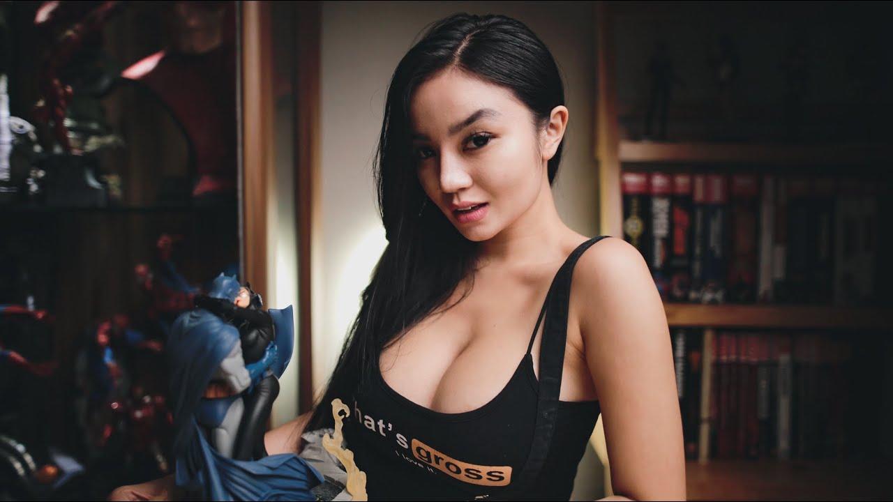 Monica Ardhea Batman Kiss Catwoman Statue Review