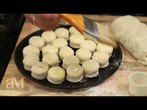 Mini Buttermilk Biscuits w/ Fruit Relish