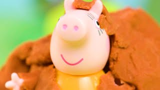 Peppa Pig in a Messy Petting Farm   Peppa Pig Stop Motion   Peppa Pig Toy Play