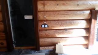 видео Открытая проводка в деревянном доме или бане: советы по монтажу