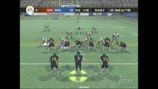 NCAA Football 07 PlayStation 2 Clip - Executing the Option
