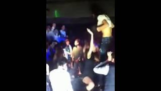 Repeat youtube video 상의 올리고 춤추는 클럽녀3