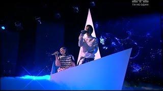 Учасники проекту  Голос  Діти  у прямому ефірі виконали нову пісню, написану Тіною Кароль