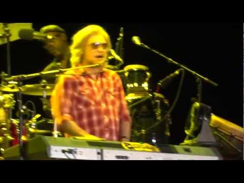 Hall & Oates 'Kiss On My List' & 'Private Eyes' at Lincoln, CA on 9/11/11
