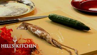 Gordon Ramsay Demonstrates H๐w To Prepare Squid | Hell's Kitchen