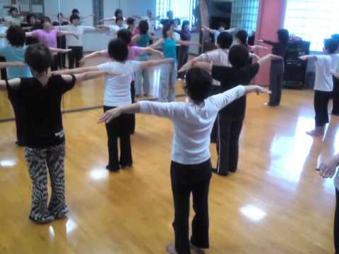 大人気のスタジオプログラム,健美操 - YouTube