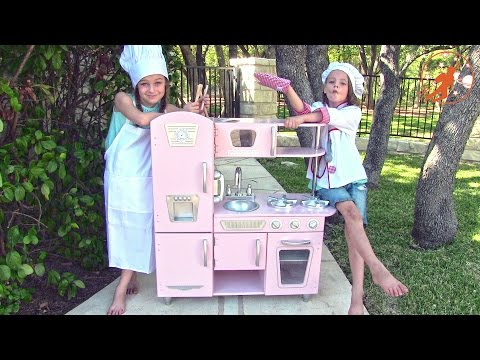 Kidkraft Kids Toy Kitchen - Unboxing,Review and Pretend Cooking