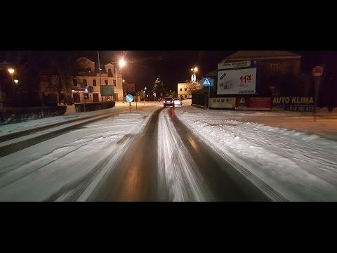 Skoczów - lodowisko na drodze .
