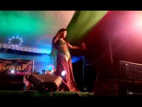 sexy dance on hindi song ,tum bhi maykhane jana chhod doge.