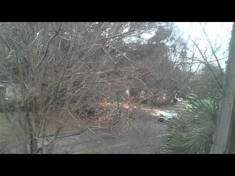 2010-12-26 Its snowing in Savannah. Post Christmas